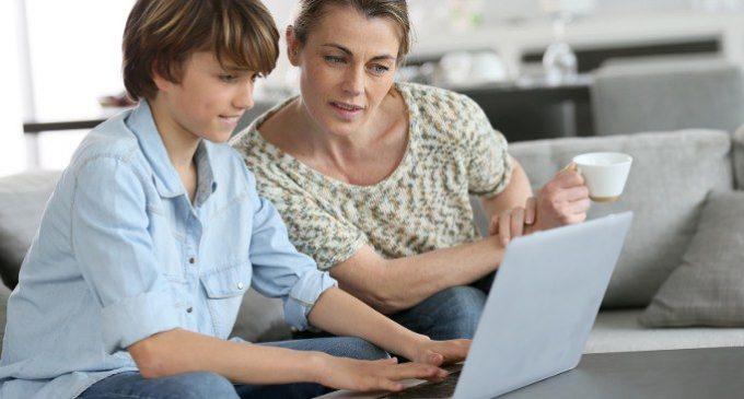 Internet: amico e nemico dei nostri figli sempre connessi